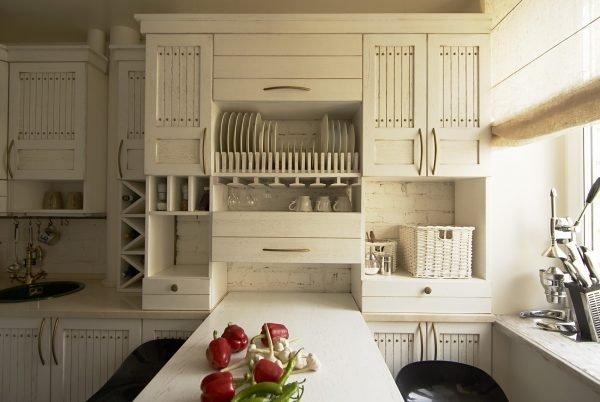 Винтажный интерьер маленькой кухни