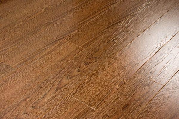 Ламинат цвета натуральной древесины