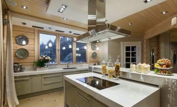 Кухня в современном стиле в загородном доме