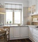 Белая кухня с полукруглым столом