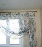 Тонкие односторонние шторы с цветами