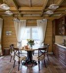 Мебель тёмного цвета в классическом дизайне кухни