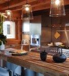 Небольшая кухня в стиле шале