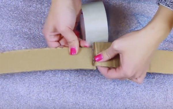 Скрепление картонных полосок