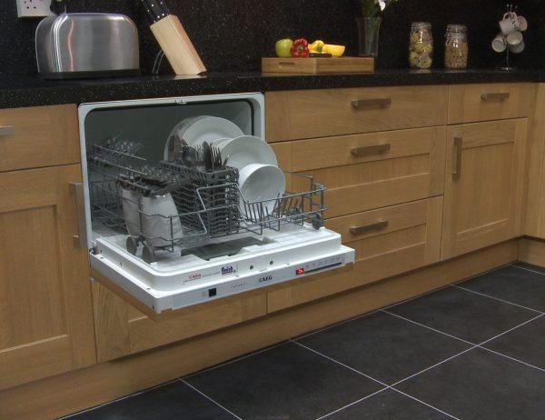 Мини посудомойка в интерьере
