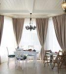 Красивые шторы для эркерных окон