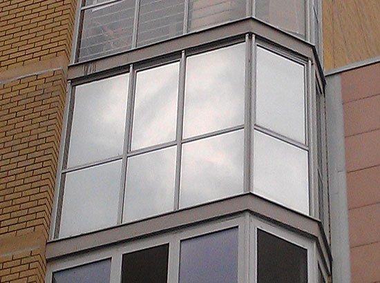 Светоотражающая плёнка на окнах