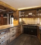 Кухня шале из массива дерева