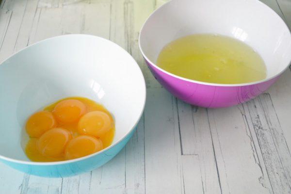 Желтки и белки