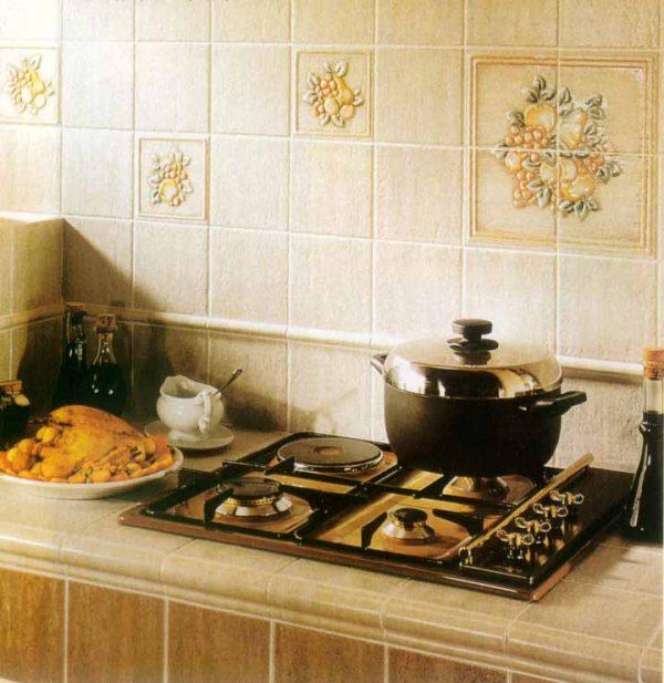Плитка с рисунком на кухне