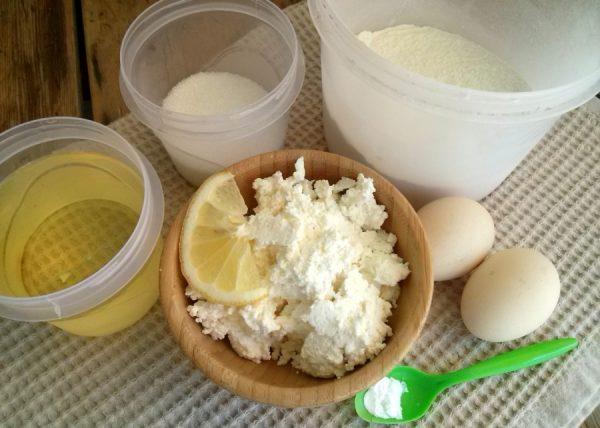 Продукты для приготовления творожных пончиков