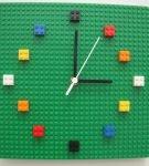 Часы из Лего