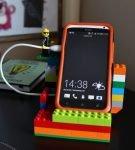 Подставка для телефона из Лего