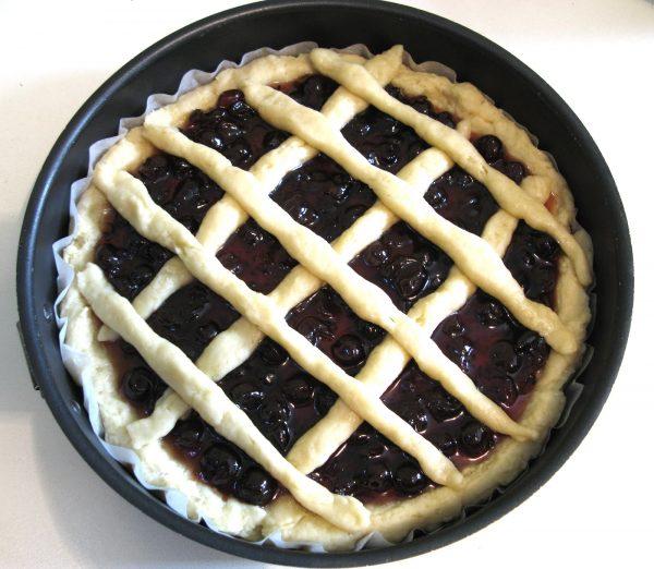 Пирог с вареньем в форме