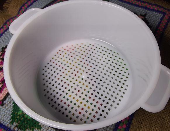 Пластиковая форма для приготовления сыра в домашних условиях