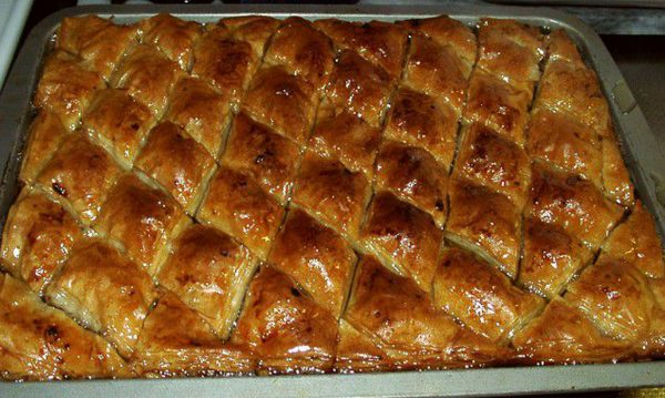 Армянская пахлава после запекания в духовке