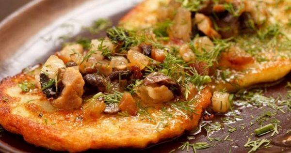 Деруны с мясом и грибами