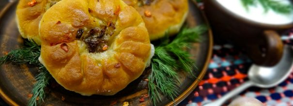 Румяные татарские перемячи пробуждают аппетит и способны утолить даже самое сильное чувство голода