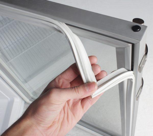 Резиновый уплотнитель холодильника