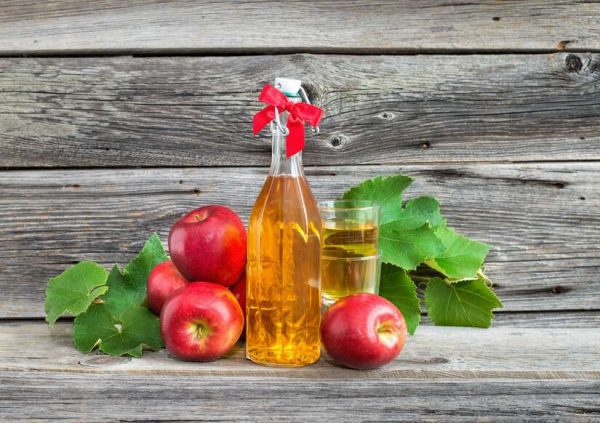 Бутылка яблочного уксуса