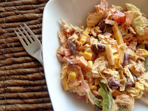 Готовый мексиканский салат с куриной грудкой