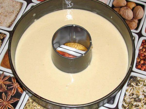 Металлическая форма для выпекания с жидким тестом