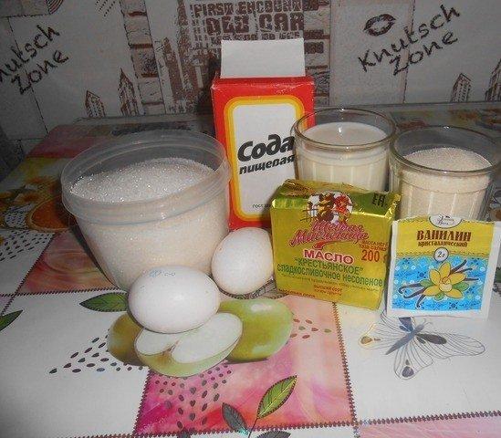 Продукты для приготовления манника без муки на столе