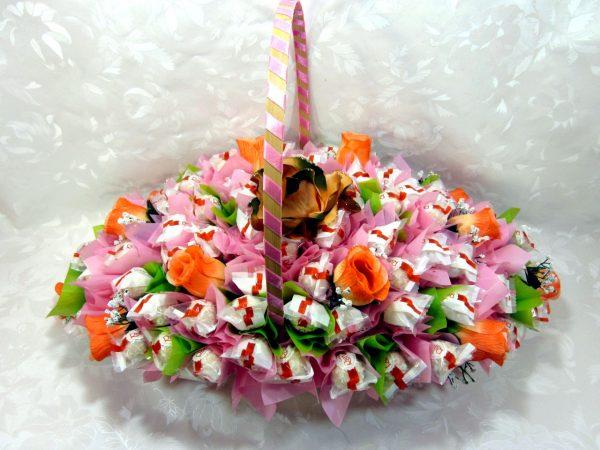 Букет из конфет и роз