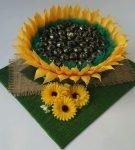 Букет из конфет «Цветок подсолнечника»