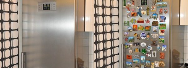 можно ли вешать Магниты на холодильнике
