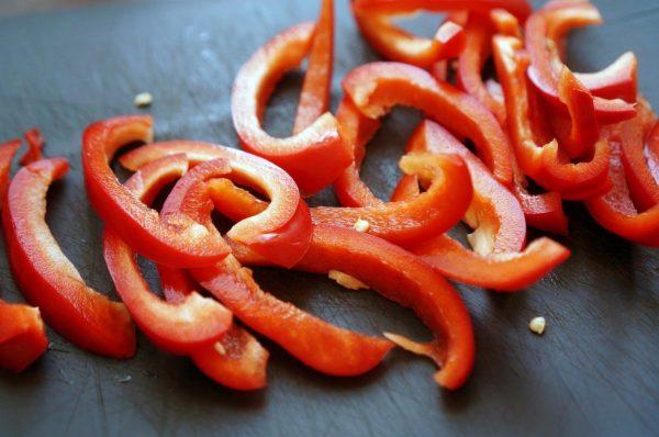 Порезанный болгарский перец