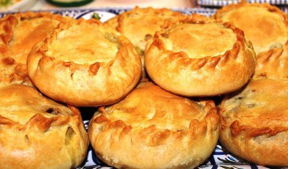 Татарские элеши с курицей и картошкой