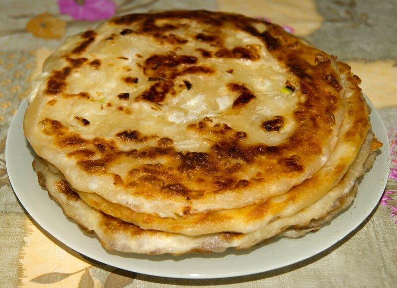 Вкуснейшая катлама с луком на сковороде - пошаговый рецепт
