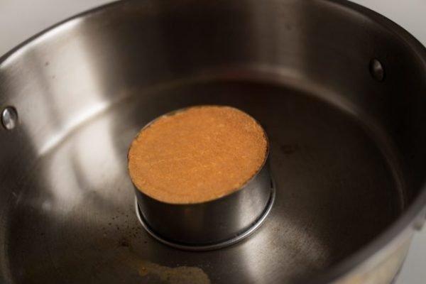 Панкейк в сковороде