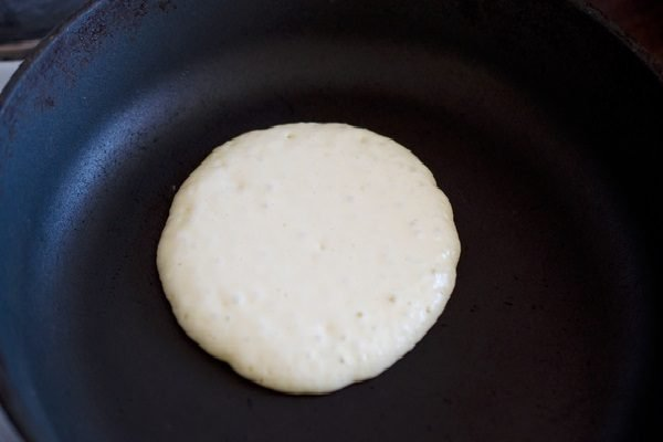 Тесто в сковороде