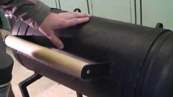 ручка на крышке мангала