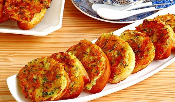 Готовые бутерброды с картофелем и укропом