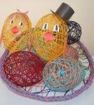 Цыплята и яйца из ниток