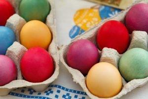 Оставшиеся после Пасхи яйца могут стать прекрасной основой для множества салатов и закусок