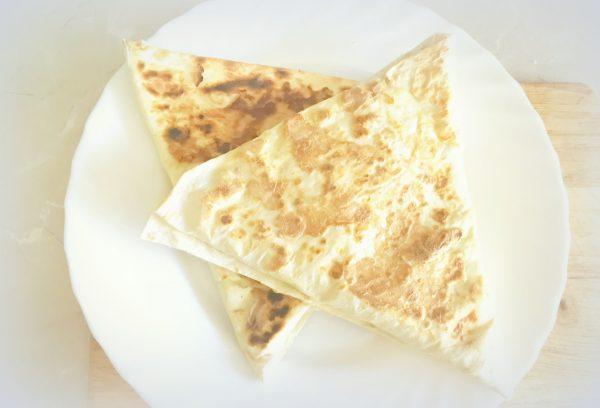 Готовые ленивые хачапури из лаваша