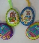 Яйца из фетра с вышивкой