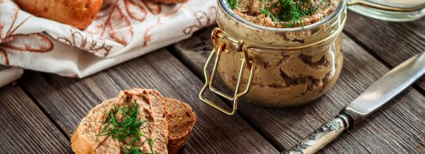 Домашний паштет из шпрот - прекрасный способ удивить близких чем-то вкусным и необычным
