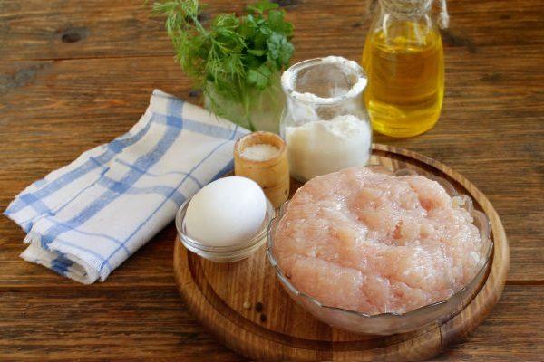 Куриный фарш, яйцо, мука и масло
