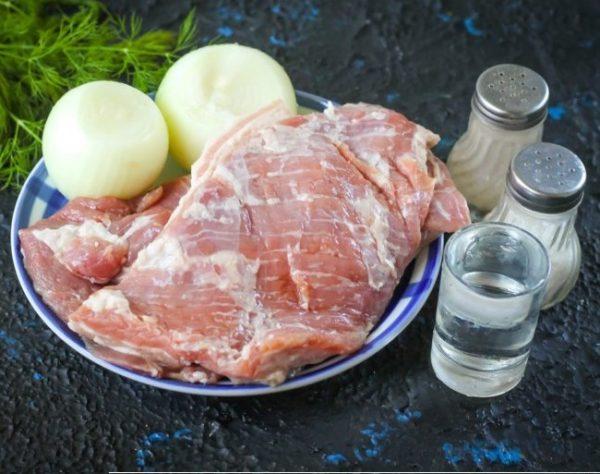 Мясо, лук, уксус, перец, соль