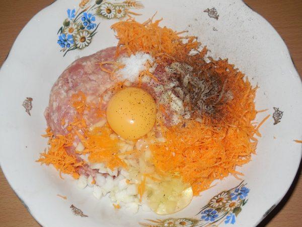 Фарш, овощи, яйца, приправы