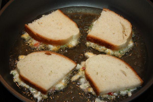 Бутерброды с сыром и перцем