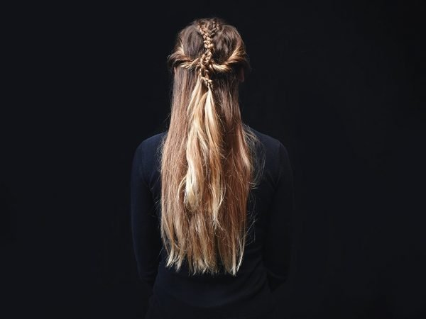 Причёска Игритт из «Игры Престолов» на голове девушки