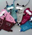 Вязаные чехлы-коты