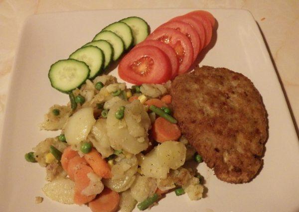 Шницель с овощами