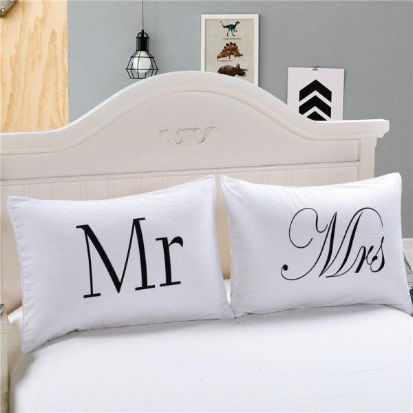 Подушки Mr Mrs